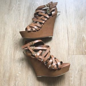 Steve Madden strappy leather wedges